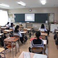 愛知県立一宮商業高等学校と保育科教員によるオンラインの授業を実施しました